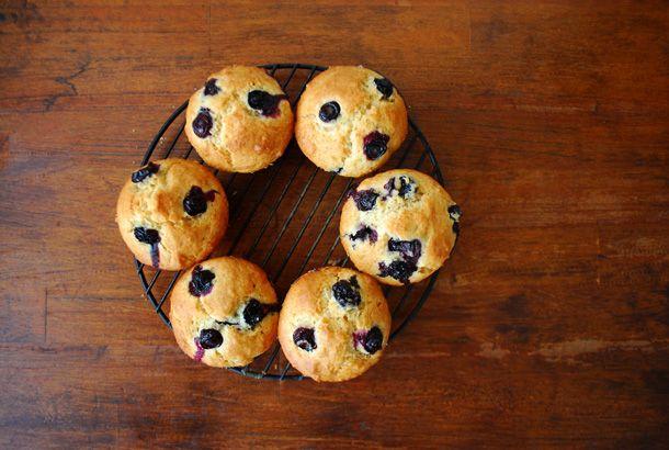 まぜるだけでかんたん。朝ごはんに食べたいブルーベリーのマフィンだよ | roomie(ルーミー)