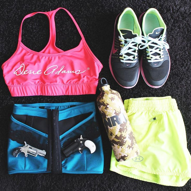 Have a colorful, concealed workout in Dene Adams  www.deneadams.com  #fitness #ccw #concealedcarry #NRA #2A #deneadams #nike #gunsdaily #gunchannels #wesponsdaily #gunfanatics #crossfit #neon