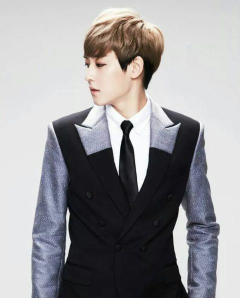 💙kevin woo💙currently solo💙former ukiss💙