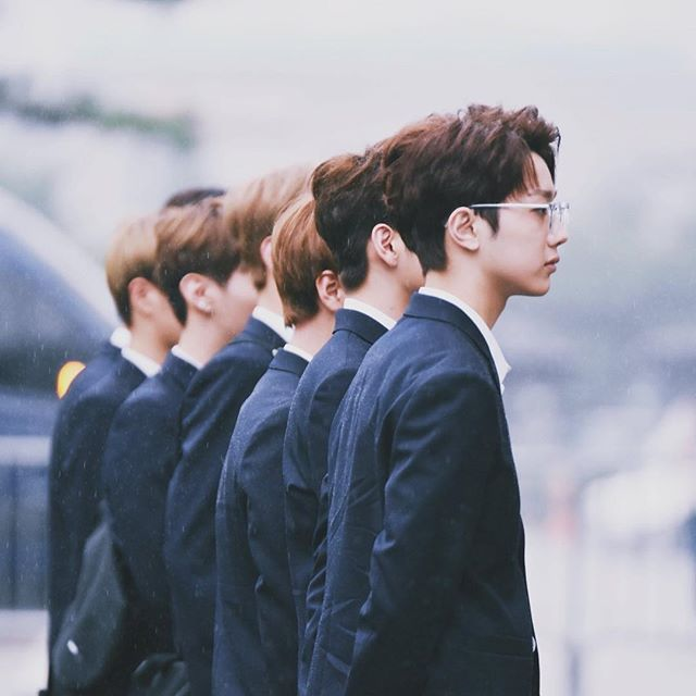 """You stole my heart, but i'll let you keep it"" ♡WannaOne♡guanlin"