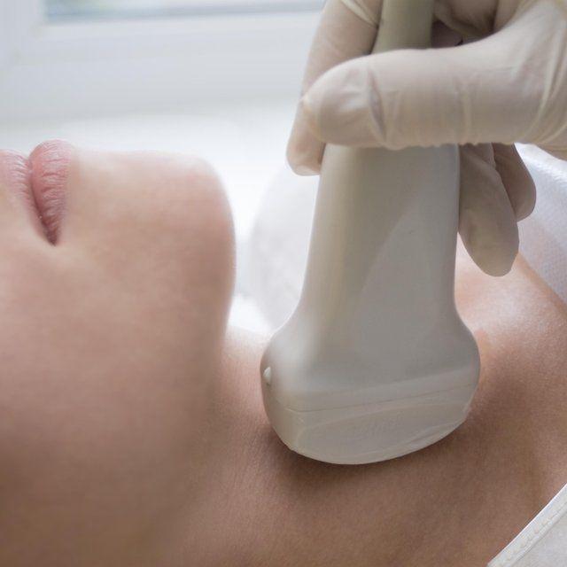 Nedostatečná funkce štítné žlázy postihuje nejčastěji ženy po padesátce