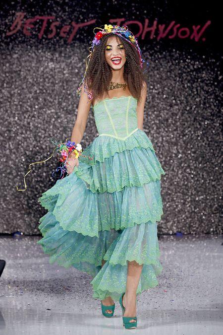 betsey johnson sp13: 2013 Readytowear, Johnson Spring, Betsy Johnson, 2013 Ready To Wear, Springsumm 2013, Fairies Dresses, Estates 2013, Betsey Johnson3, Spring 2013