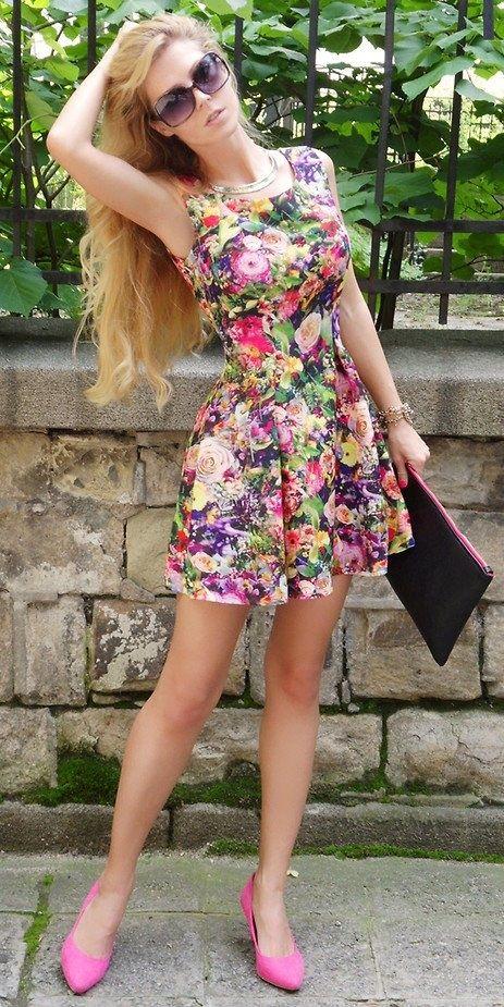 Que bonito vestido floral :)  Trends 2013