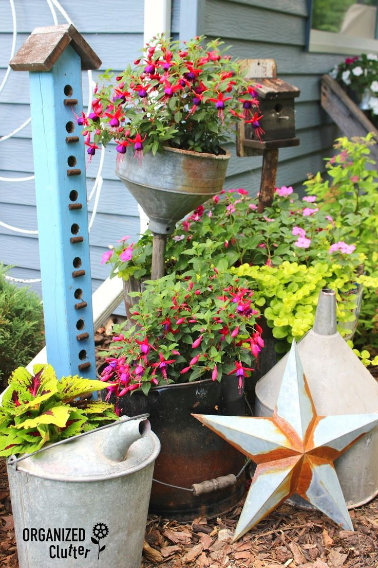 Garden decor out of junk   best Garden Landscaping and Outdoors images on Pinterest