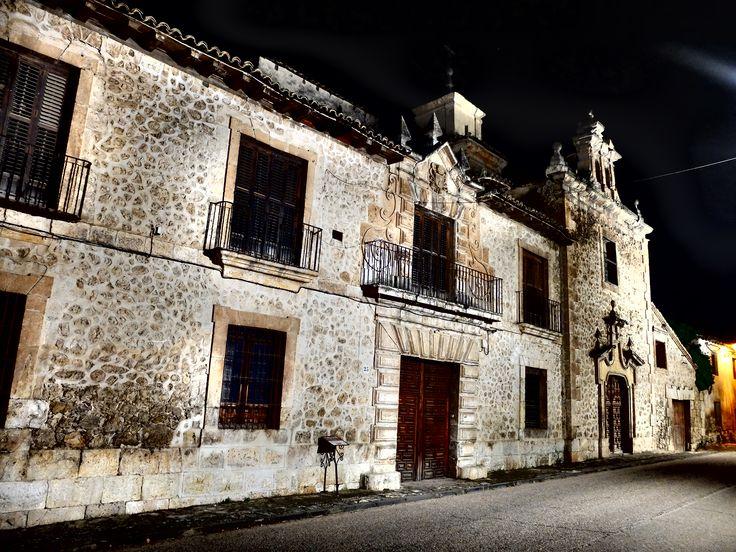 Palacio de los Lopez-Cogolludo , de noche. 6/2016