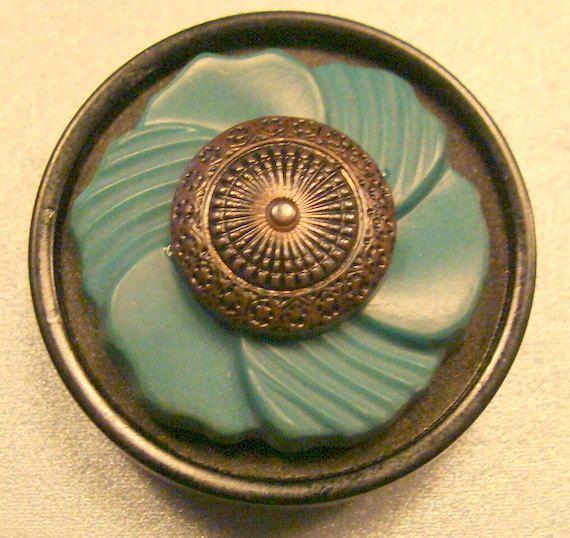 Vintage Bakelite button brooch.