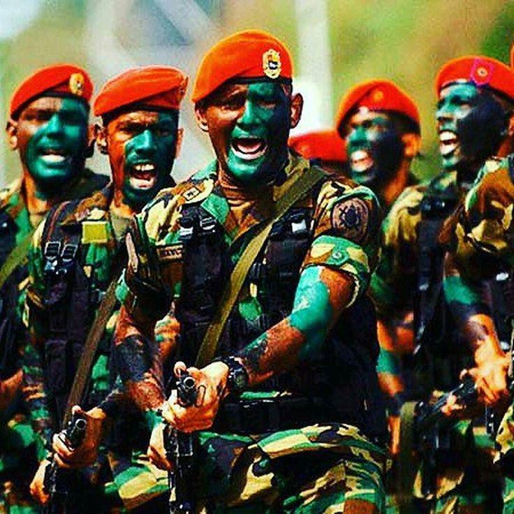 Venezuela Special Forces..  Like  Repost  Tag  Follow   @endlessboxcom https://endlessbox.com #endlessboxcom  #gunfreaks #gunporn #gunhub #shooter #athleteshooter #fitness #firearms #oklahoma #America #tactical #freedom #3percenter #pewpew #thepewpewlife #2a #igmilitia #pistol #glock #runyourgun #gunsdaily #weaponsdaily #3percenter #followforfollow #girl #fitness #like4like #success #sickgunsallday #gunbadassery
