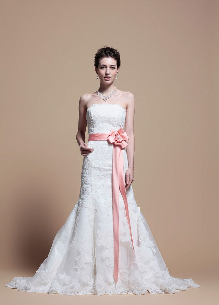 Strapless Trumpet Elegant Lace Appliques With Colored Belt