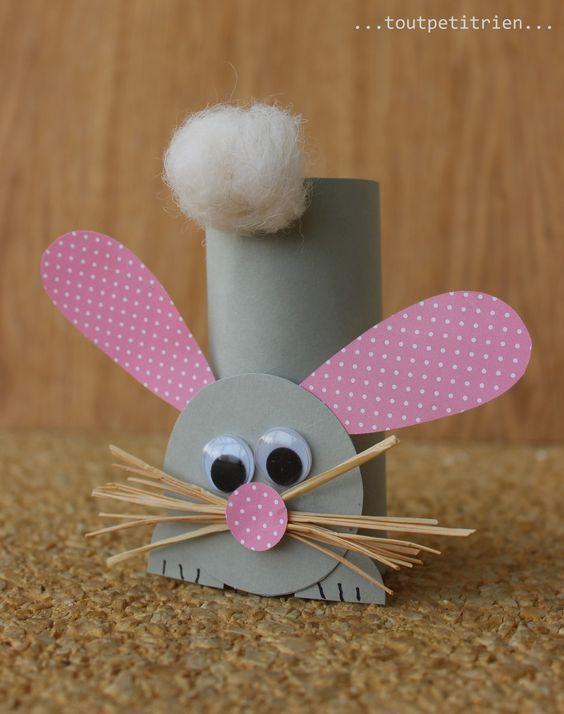 Lapin avec un rouleau de papier WC #bricolage #enfants #paques www.toutpetitrien.ch et www.pinterest.com/fleurysylvie: