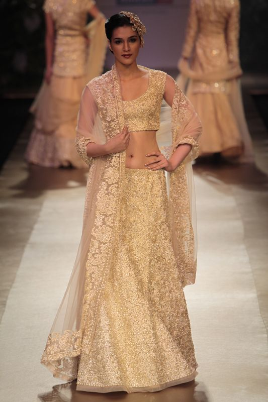 Indian golden bridal dress - Pallavi Jaikishan at Lakme Fashion Week 2012