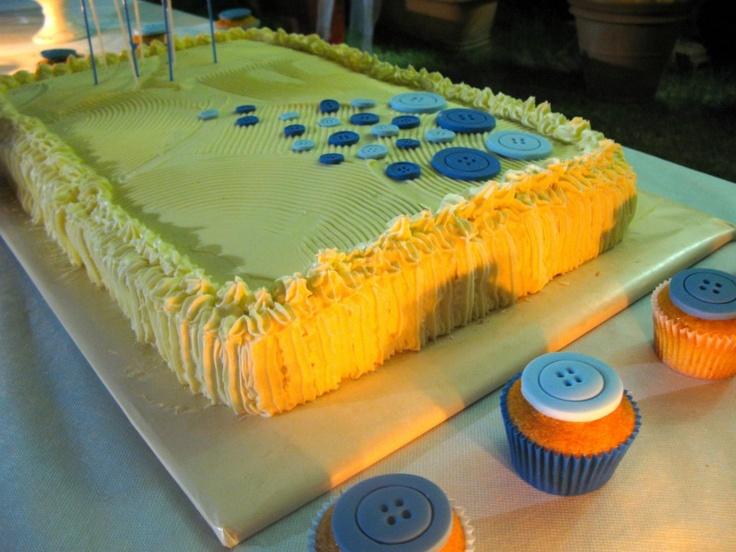 <3 Cute as a botton #cake and #cupcakes