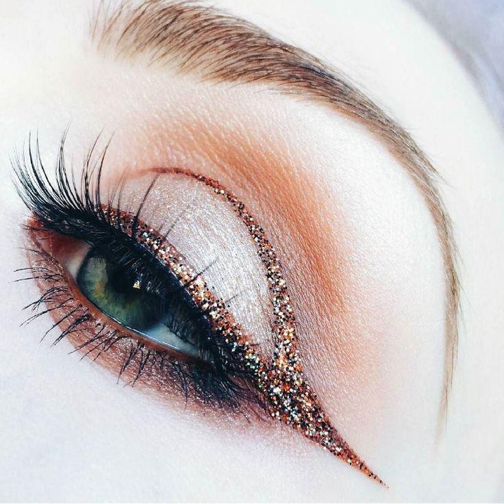 El maquillaje artístico marca tendencia No dejes pasar la oportunidad de destacar! - #tumaqui #makeup #maquillaje #tips #belleza #contorno #makeuplover #makeuprevolution #labios #lipstick #iluminador #vidademaquilladora #gloss #blogger #envios #gratis #nacional #internacional #box #productos #instamakeup #base #blush #maquillador #delineador #makeupaddict #fashion #mujer #moda #makeupfan