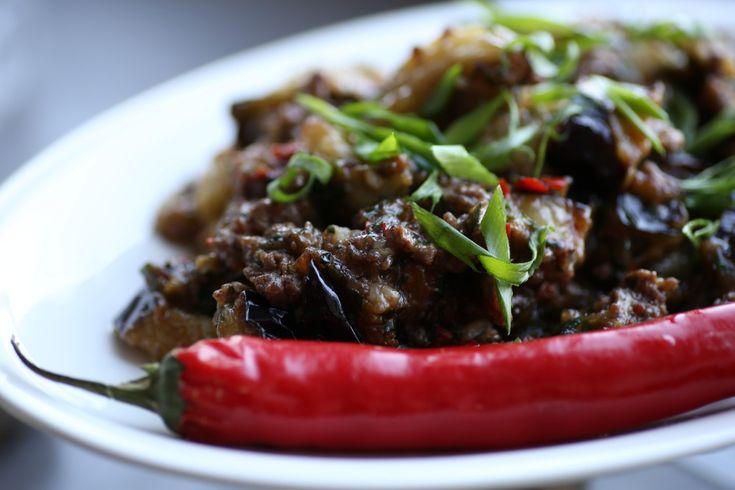 Китайская кухня Баклажаны в пекинском стиле