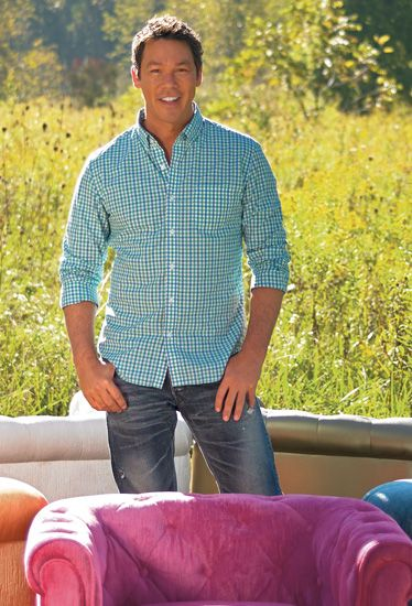Click here to learn more about David Bromstad—an artist, design personality and television host who's teaming up with Grandin Road to debut his first home décor collection.