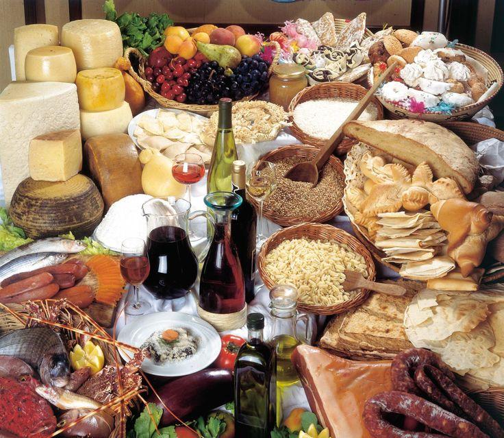 La cucina Italiana è conosciuta per la propria diversità a livello regionale, abbondanza nel gusto e nei condimenti, è inoltre ritenuta la più famosa nel mondo, con influenze a livello internazionale, tanto che l'emittente televisiva statunitense CNN la colloca al primo posto tra le cucine più apprezzate a livello globale.