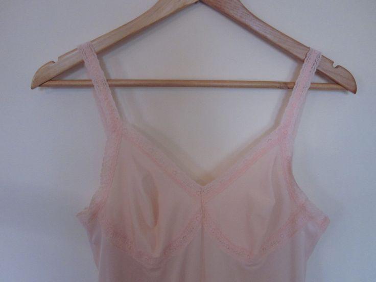 VINTAGE authentic 60s/70s blush pink lace slip night dress lingerie (equiv sz us 8, uk au nz 12, eu 40) by shopblackheart on Etsy