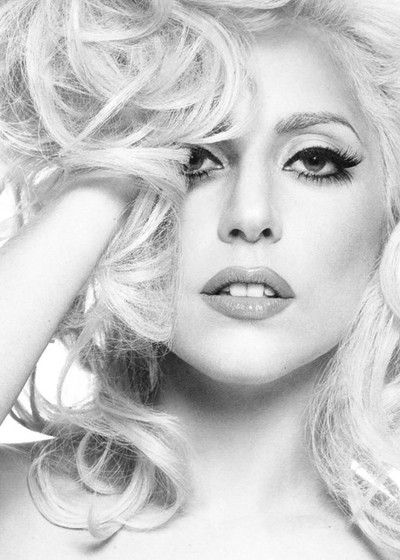 I love her. Beauty. Individuality. Musical talent. She is just amazing. Anxiously awaiting her return. <3 paws up monsters!!
