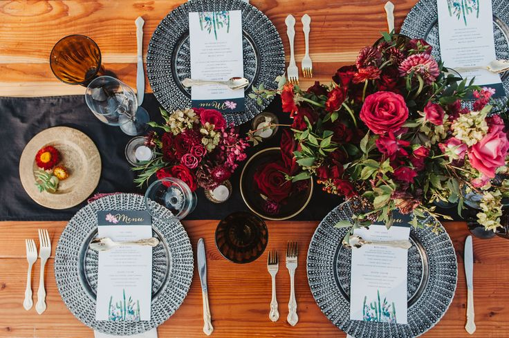 This desert-themed tablescape - complete with cactus menu cards - is colourful and creative.