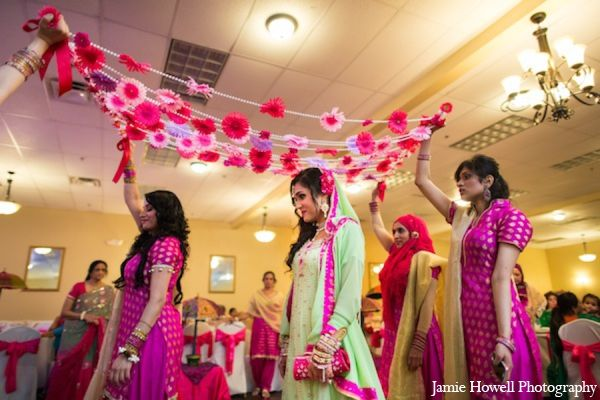 mehndi party bride traditions http://maharaniweddings.com/gallery/photo/11093