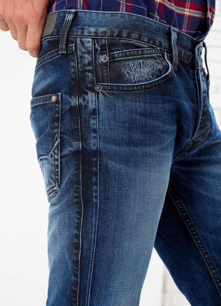 Jean de cinco bolsillos de fit slim, cintura baja y pierna estrecha. Lavado medio y efecto desgastado en la parte delantera. Detalle de Pepe Jeans London bordado en el bolsillo portamonedas delantero.