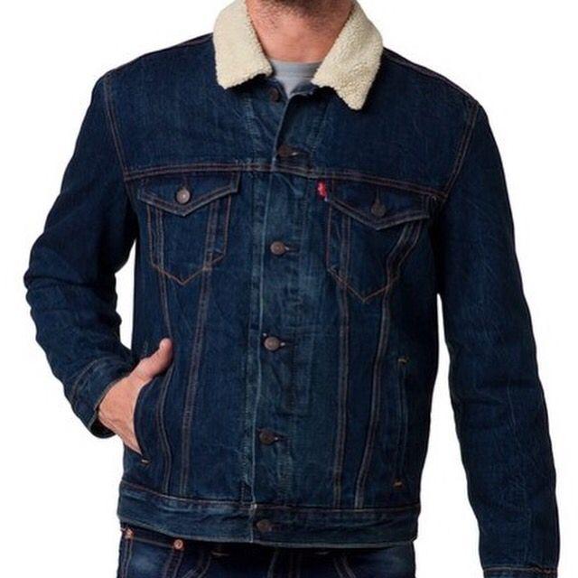 "#Levis ""Sherpa Trucker"" #cazadora #chaqueta #abrigo #jacket #coat #levistrucker #levisjacket #rebajas #sales #descuentos #ofertas #offers Antes 135€ Ahora 99,90€ http://www.rivendelmadrid.es/shop/catalogsearch/result/?q=Trucker"