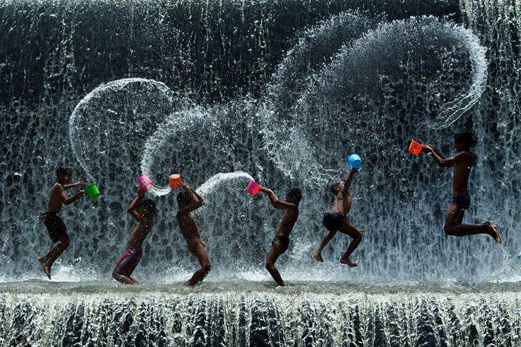 Water Fight! - Songkran Water Festival in Thailand. Island Info Samui http://islandinfokohsamui.com/