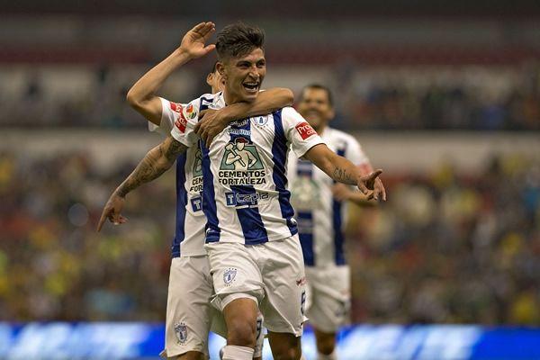 VÍCTOR GUZMÁN ACEPTÓ QUE LE GUSTARÍA REGRESAR A CHIVAS Víctor Guzmán termina contrato a final del torneo con los Tuzos y por tanto debe regresar al Club Guadalajara, equipo al que pertenece su carta.