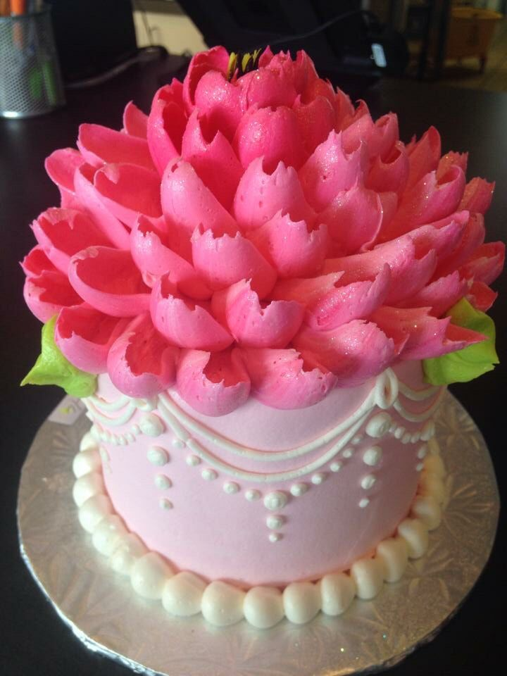 21 best white flower cake shoppe cakes images on pinterest flower white flower cake shoppe mightylinksfo