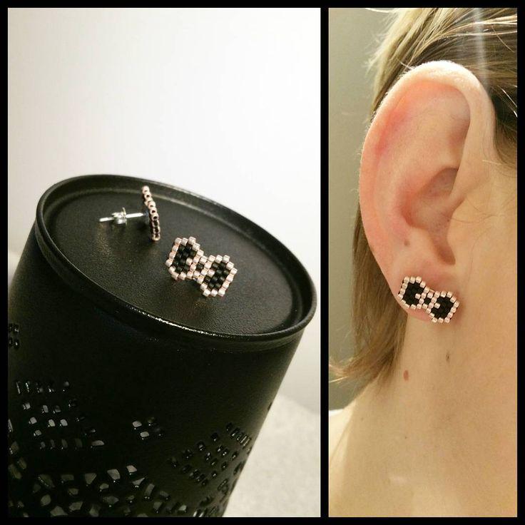 """Petits noeuds #tissage #earrings #diy #bouclesdoreilles #faitmain #miyukidelicas #miyuki #brickstitch #perlesmiyukidelicas #noeud…"""