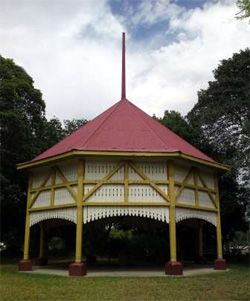 The Federation Pavilion was where the first Governor General of Australia, Lord Hopetoun, the first prime Minister, Edmund Barton, and the first Cabinet were sworn in at the official inauguration of Federation in Centennial Park, Sydney, on  1st January 1901. In 1903 the Council of Concord bought the pavilion and moved it to its current location.