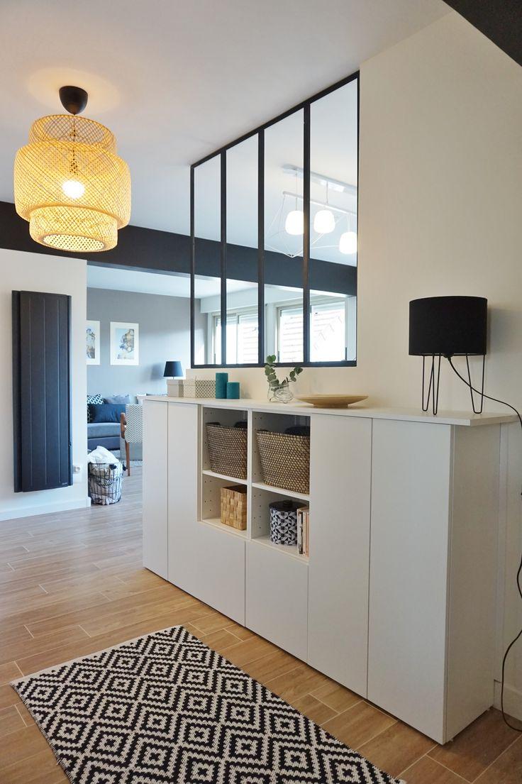 Entrée avec verrière dans un appartement chic et chaleureux à Orsay, par l'agence d'architecture d'intérieur ADC l'atelier d'à côté