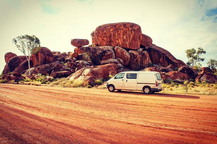 Pitstop on the Stuart Highway  Moby meets the Devil's Marbles #northernterritory #visitcentralaus #redcentrent #devilsmarbles #vanlife