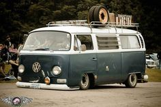 Old picture when just the front was bagged. Still for sale. $8k, it is a project vehicle that needs a bit of simple fabrication and mechanical work to finish. Will consider partial trades of fabrication equipment, trucks with healthy running gear, Studebaker 2R parts, and cash. #baywindowbus #slammed #bagged #vwbus #villagecustoms  #layinframe #3wheel #aircooledvw #vwbaywindowbus #twistedkoncepts #vwbusbaywindowonly  Check out more photos in my profile, or search 1968 busses on…