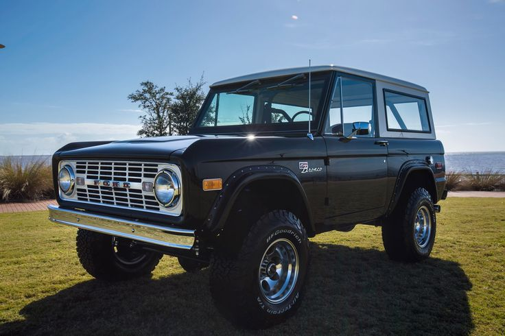 1976 Classic Ford Bronco restoration: 302 engine, C4 transmission, power window kit, Tom Woods drive shaft, and much more. #classicfordbronco #classicbronco #earlybronco #vintagebronco #earlyfordbroncos #fordbronco #ford #bronco