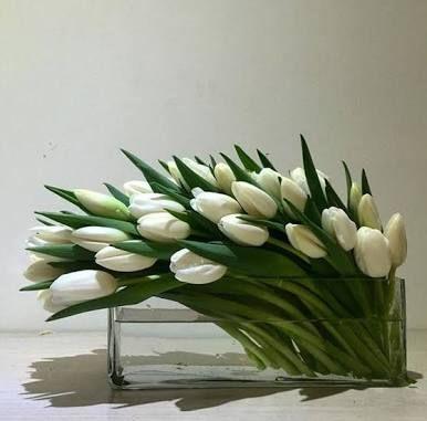 Resultado de imagem para flower arrangements modern