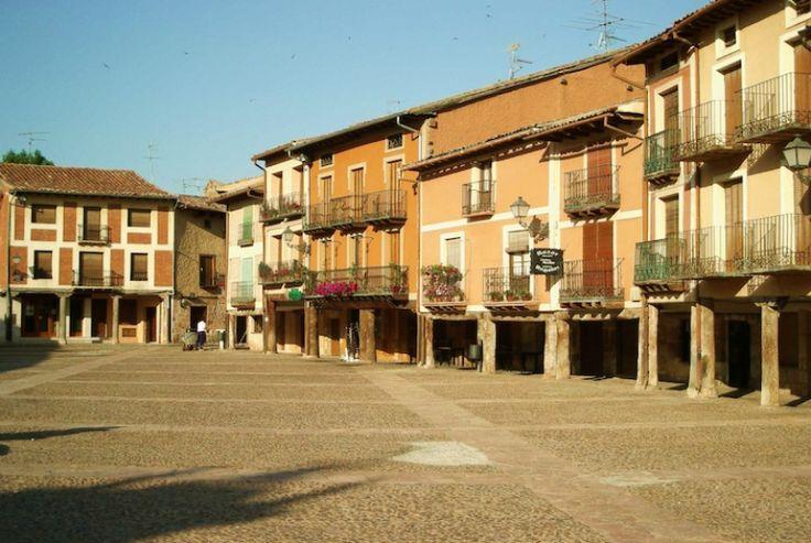 Vista general de la Plaza Mayor de Ayllón