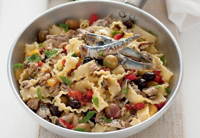 Reginette aux sardines, poivrons et olives