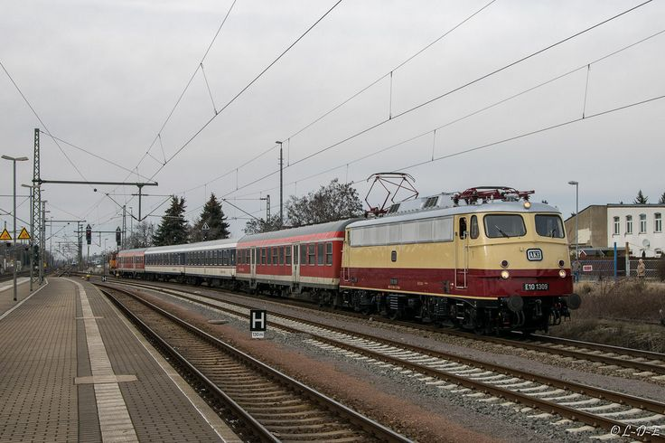 113 309-9 (E10 1309) TRI Train Rental International | Delitzsch | März 2016 - L-D-E - 0239 -  http://ift.tt/2iv5NM6 IFtemppicpinned in Building blocksdownld in ios #January 9 2017 at 08:27PM#via IF