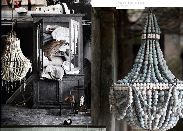 Lustres et perles de bois