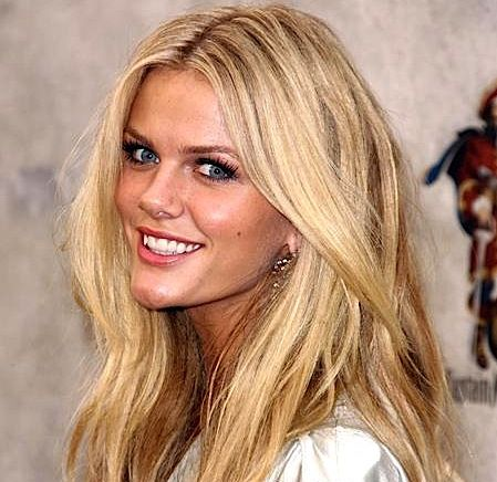 BEFORE/AFTER PHOTOS: How To Color (Dye) Your Hair At Home: Go From Light To Dark: Get Brooklyn Decker's New Look, Style