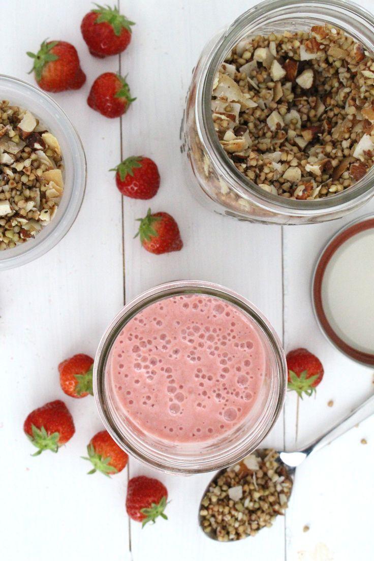 Rezept: Erdbeerjoghurt selber machen + Buchweizen-Granola (ohne Zucker) {Clean Eating} – Projekt: Gesund leben | Clean Eating, Fitness & Entspannung