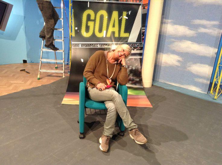 Clara Vercelli in un momento di pausa durante la preparazione della trasmissione https://twitter.com/AreaGoal