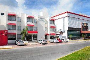 El Ambiance Suites se encuentra en el centro de Cancún, las mejores playas de la ciudad se encuentran a sólo 5 minutos en automóvil... #Cancun #Mexico #Hoteles