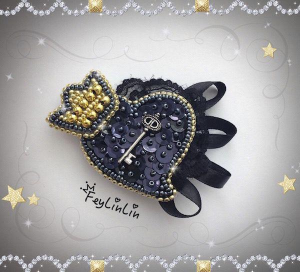 Bead embroidered brooch Gothic heart ||| Брошь из бисера Готическое сердце _______________ #FeyLinLin #embroidery #beads #brooch #брошь #вышивка #бисер #ビーズ刺繍