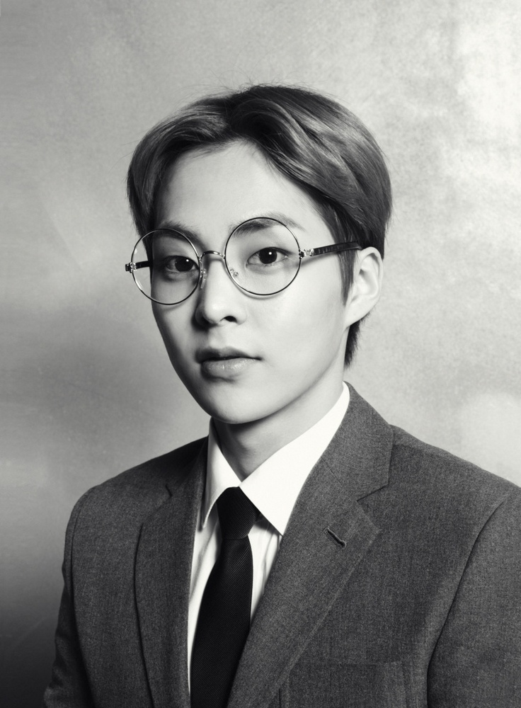 EXO // XOXO // Xiumin...One more time cause I love this photo...I love guys with glasses:)