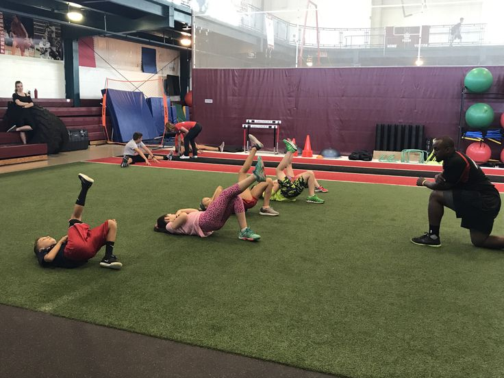 Jump Start class. Warming up with single leg hip pops which activate your glutes and hamstrings.   #Parisi #Speed #School at #HealthQuest in #Flemington #NJ Speed and #Strength #Training for #Sports  #basketball #baseball #BMX #lacrosse #football #soccer #softball #skating #swimming #track #volleyball #wrestling