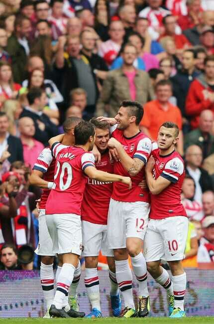 Flamini, Gibbs, Ramsey, Olivier & Wilshere celebraying Ramsey's goal