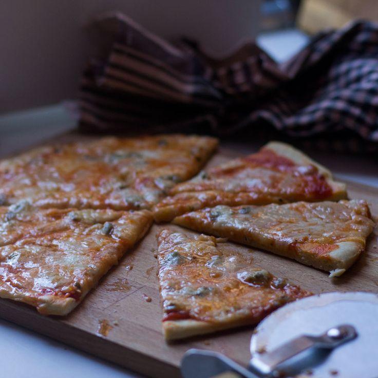 Pizza a los cuatro quesos Thermomix
