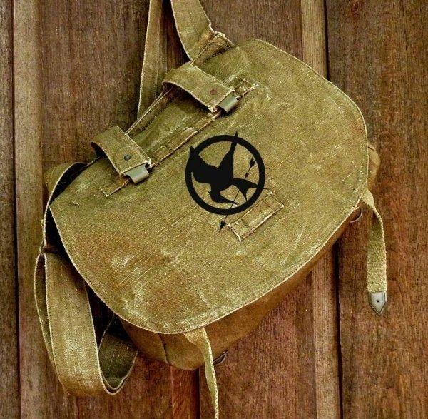 Mockingjay Messenger Bag | Community Post: Hunger Games Fashion