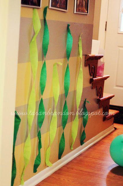 """""""Seaweed"""" Green streamers - Little Mermaid Party"""